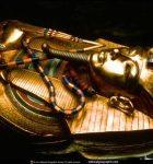 MYSTÉRIA EGYPTA, ZASVÄTENIE FARAÓNA